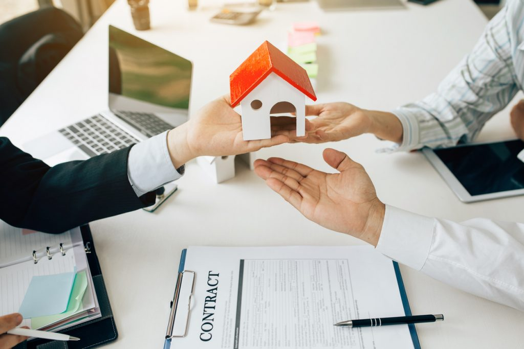 A Mortgage Advisor's Guide to Buying Your First Home