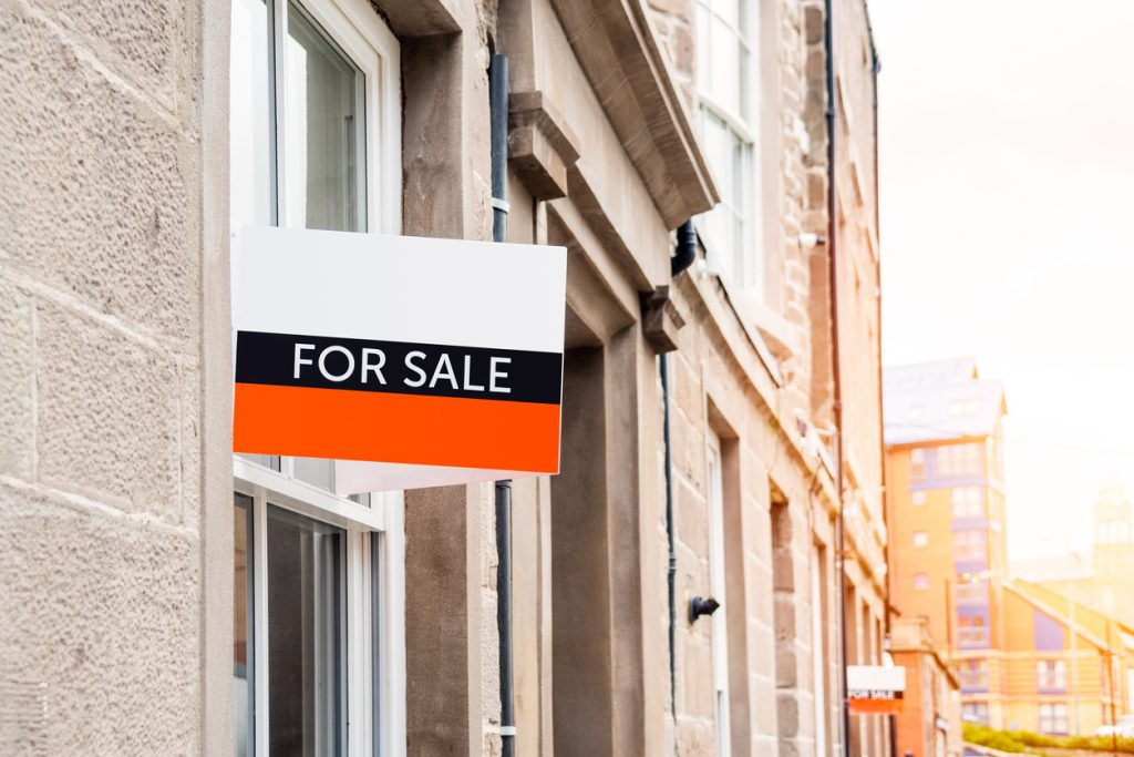 UK Mortgage Approvals Hit 13-Year High