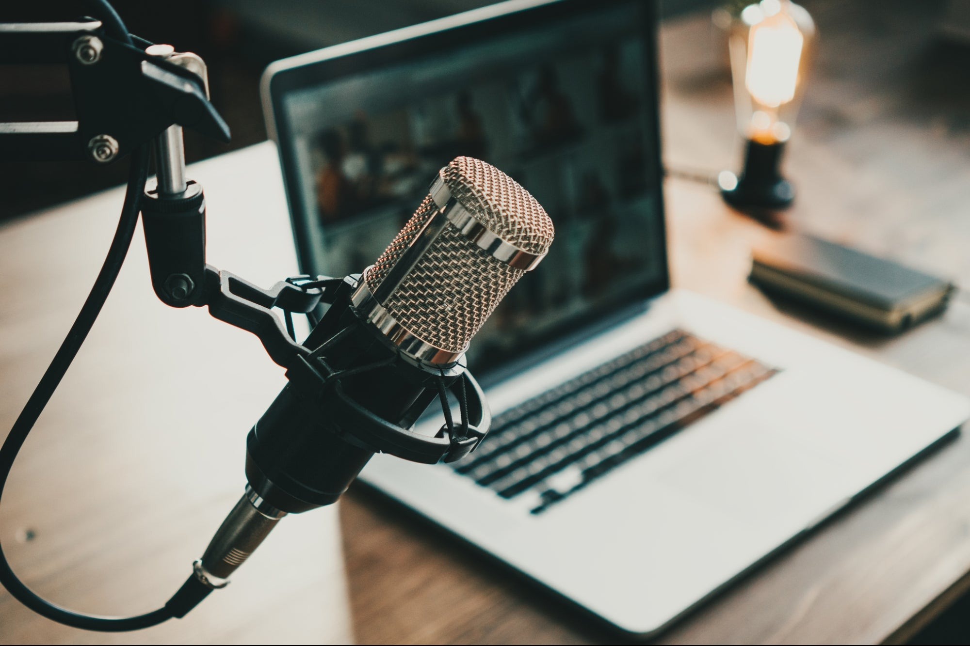 4 Methods Podcasters Can Use to Keep Up With Industry Trends